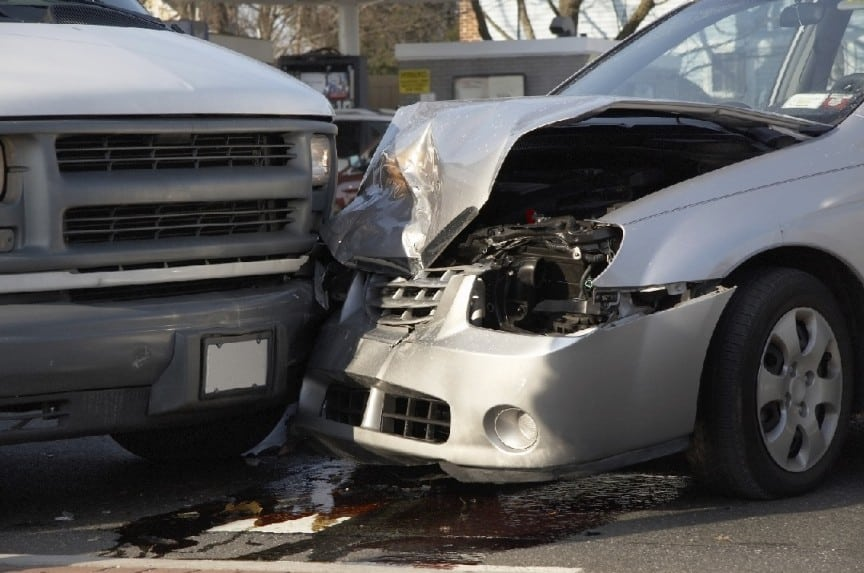 head on collision on hixson pike in Chattanooga